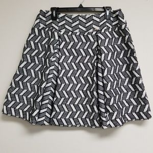 Chanel Black/White Embroidered A-line Skirt 42